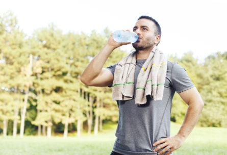 Durante la carrera, los suplementos alimenticios pordrán ayudarte (iStock)