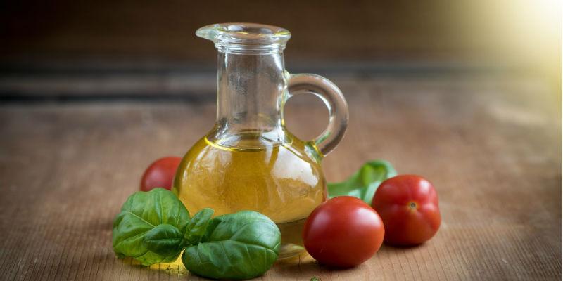 El aceite de oliva favorece la disminución del colesterol malo (Pixabay)