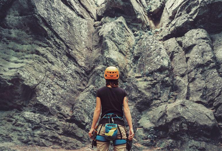 No hay que ser una superhéroe para iniciarse en la escalada (iStock)